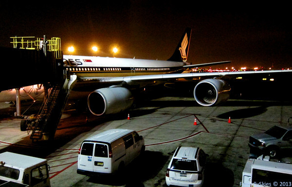 singapore-airlines-newark-a340-500