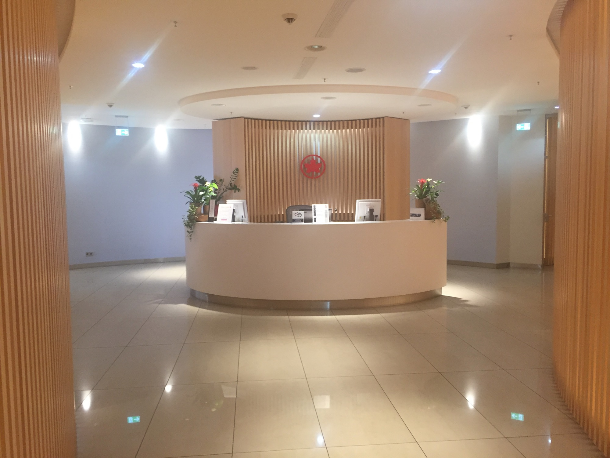 air-canada-maple-leaf-lounge-frankfurt-14