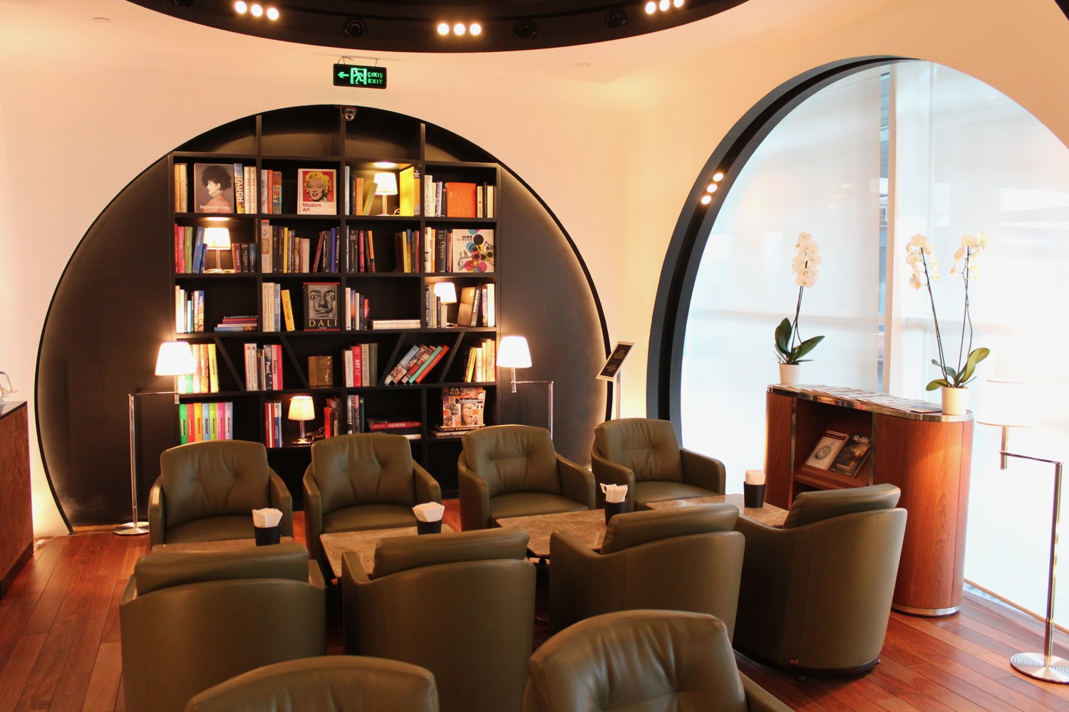 turkish-airlines-arrivals-lounge-istanbul-5