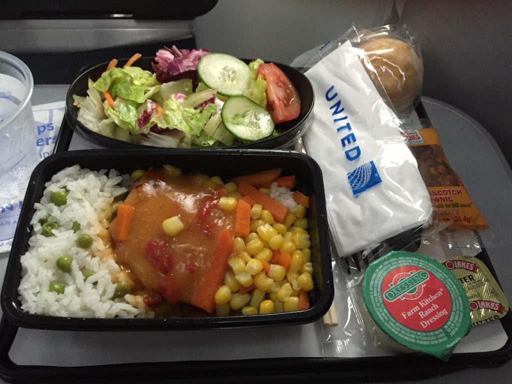 united-airlines-lax-nrt-economy-class-meal-01