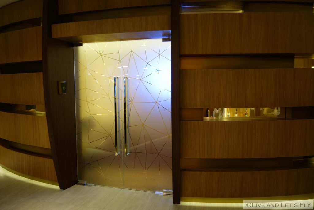 a-new-etihad-first-class-lounge-spa-abu-dhabi-46