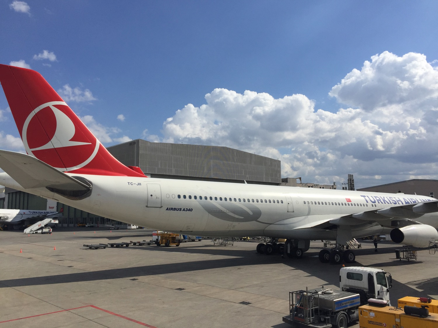 turkish-airlines-istanbul-to-hamburg-a320-7