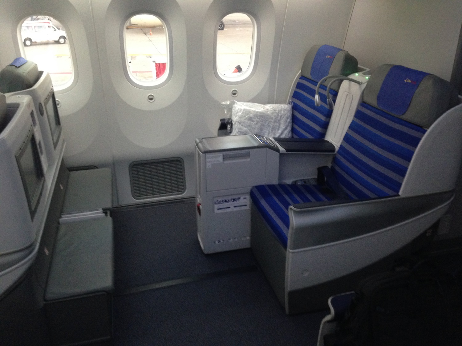 LOT Polish 787 Business Class Review - 8
