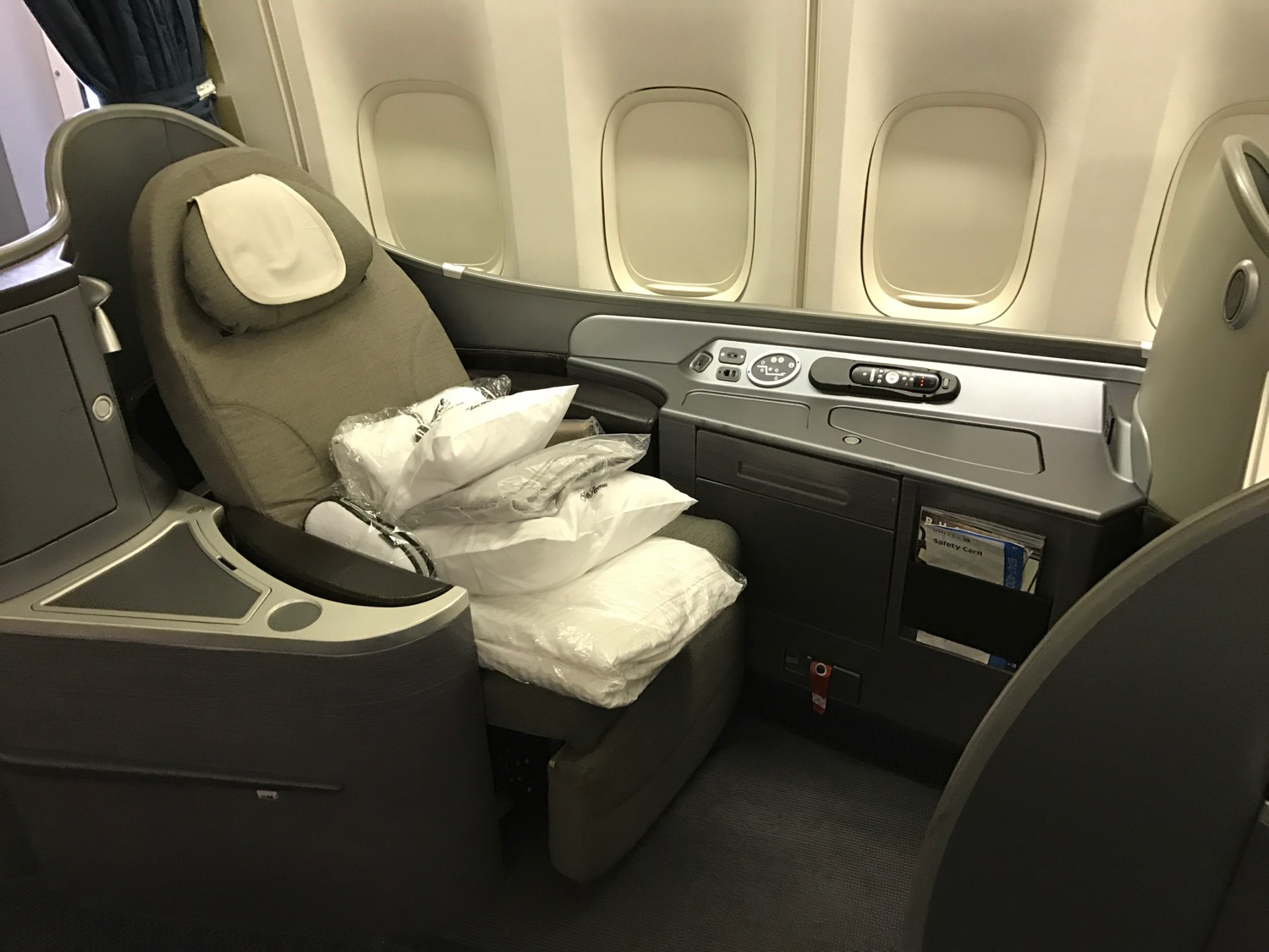 What Is The Difference Between United Polaris First And Polaris Business Live And Let S Fly