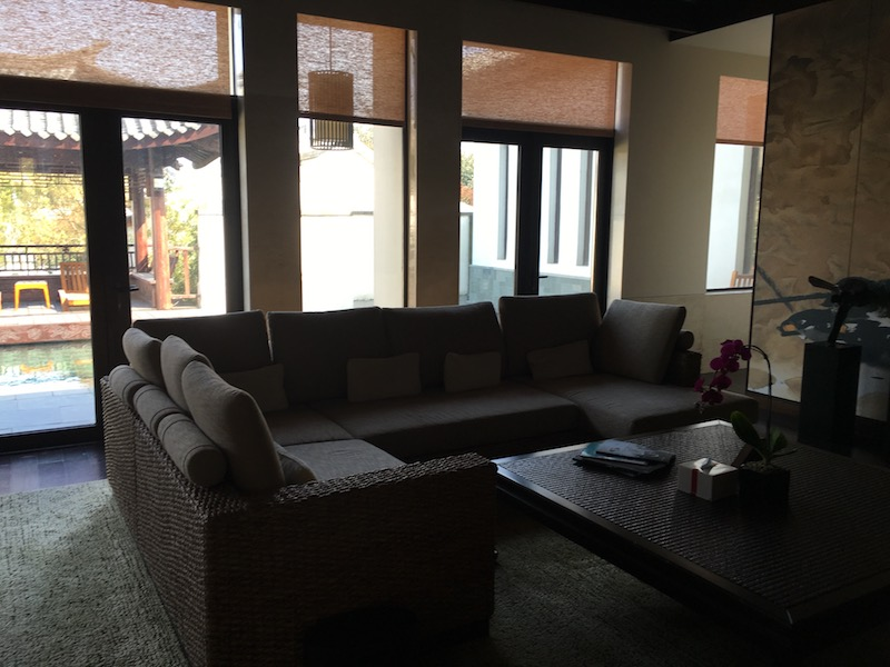 A sitting area located in the front of the private villa.