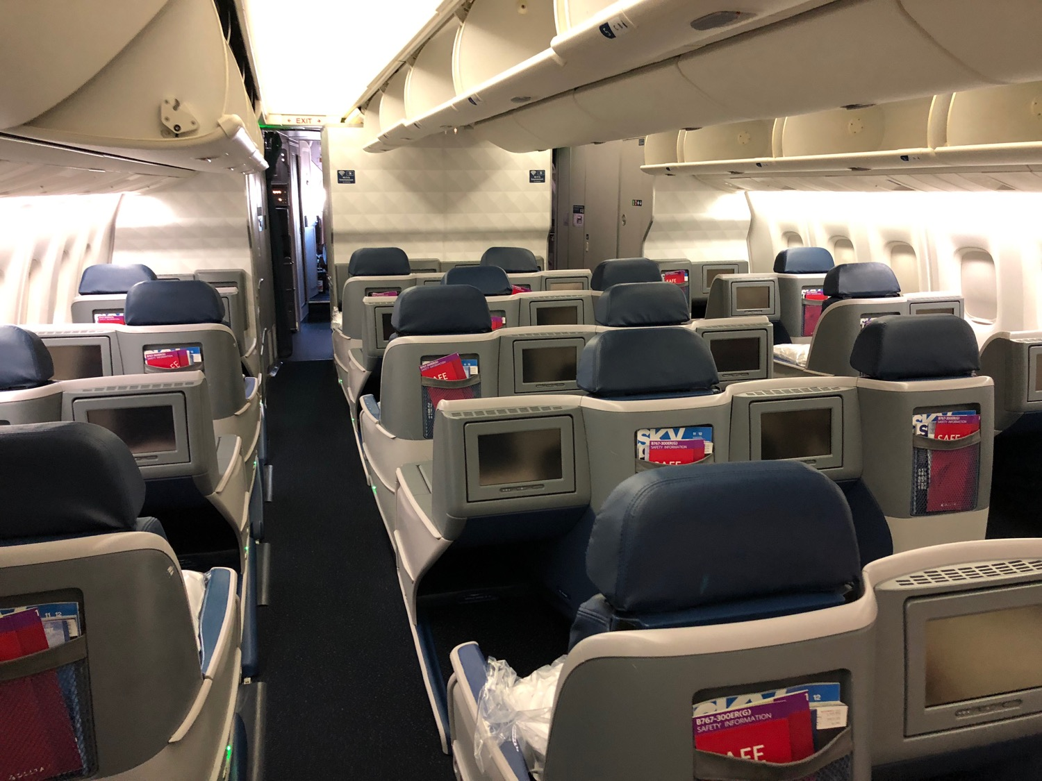 Review Delta 767 300 Business Class Honolulu To Los