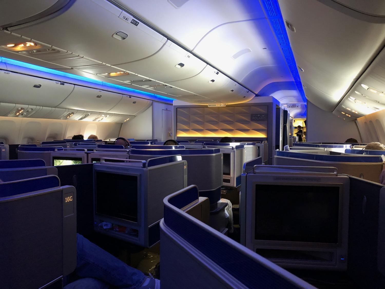 Review United 777 300er Polaris Business Class San