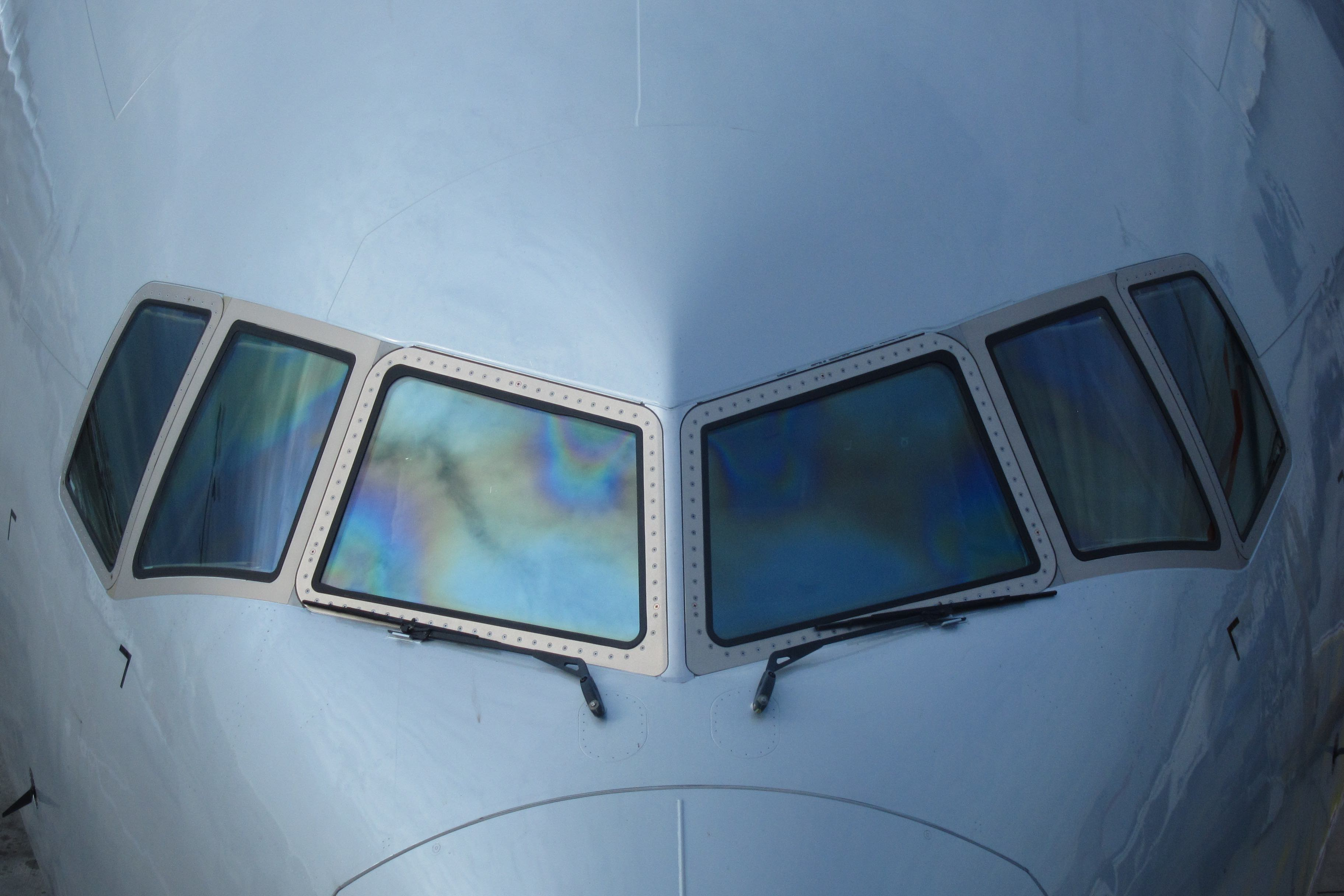 Cracked Windshield Forces Aa Flight To Divert Live And