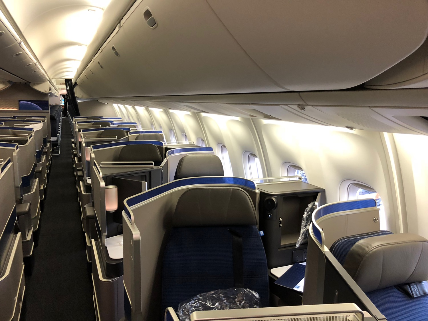 review united airlines   polaris business class amsterdam  newark   lets fly