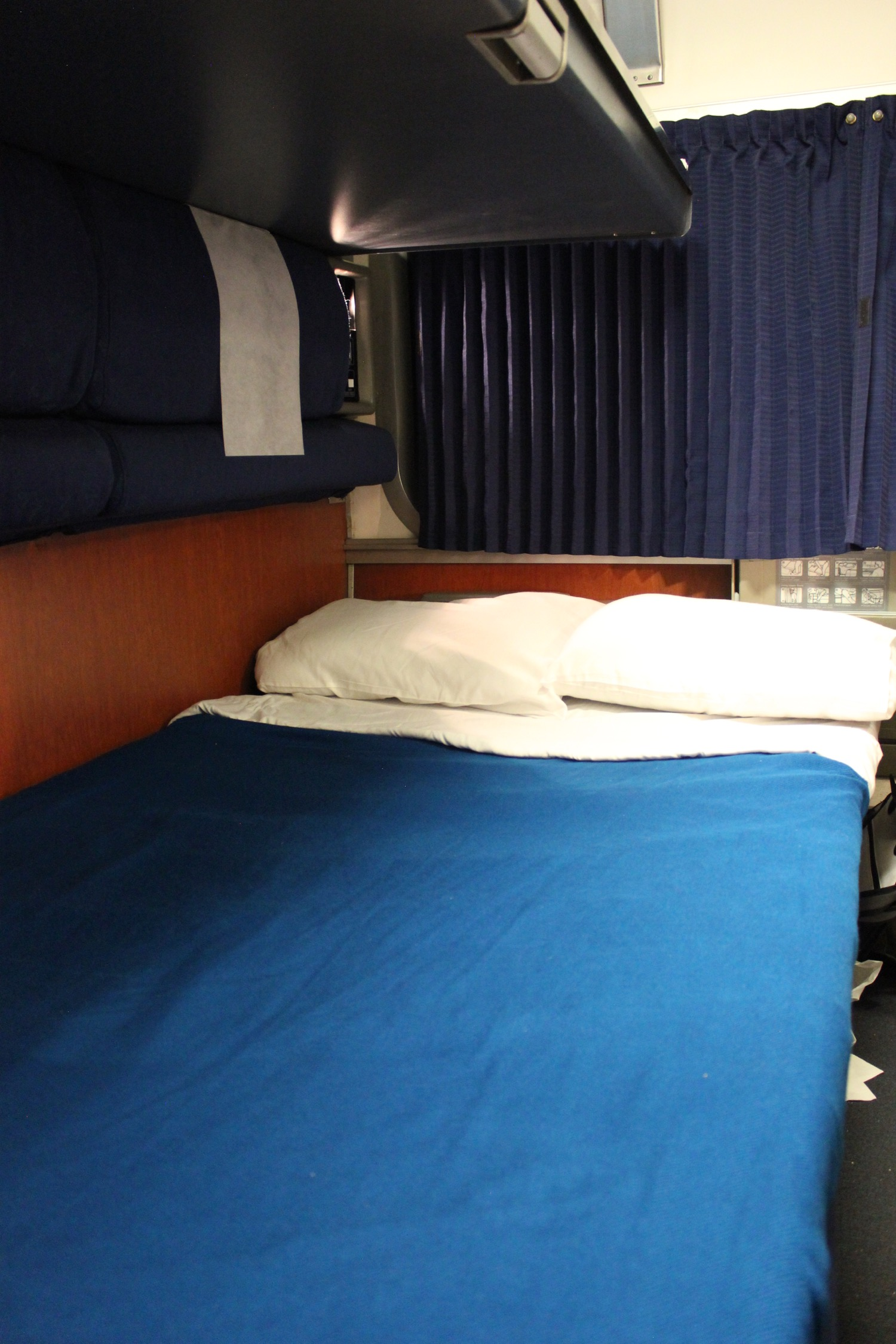 Review Amtrak Coast Starlight Superliner Bedroom Los Angeles To Portland Live And Let S Fly