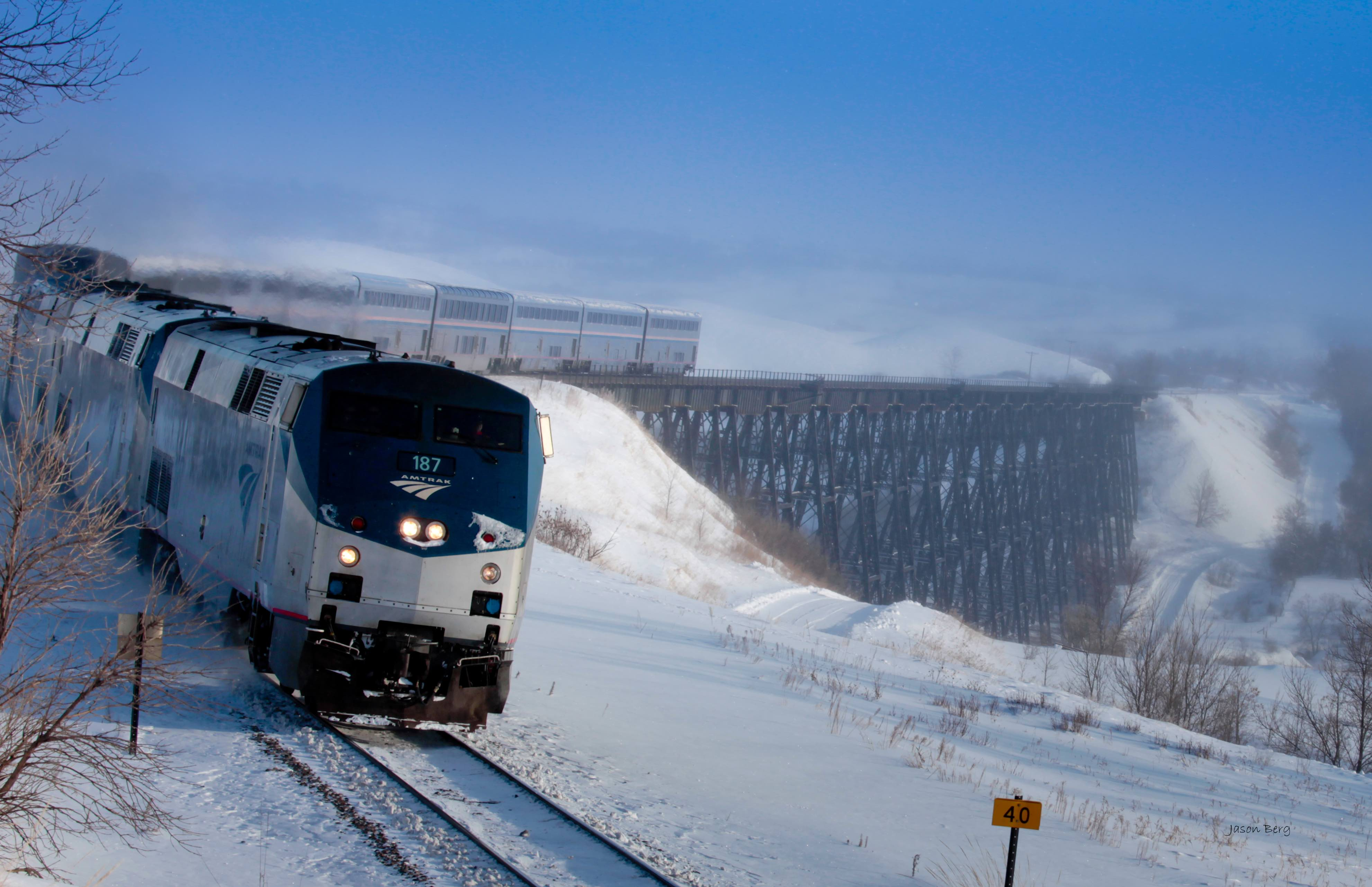 Amtrak's Coast Starlight Train Stuck In Snow For 37 Hours