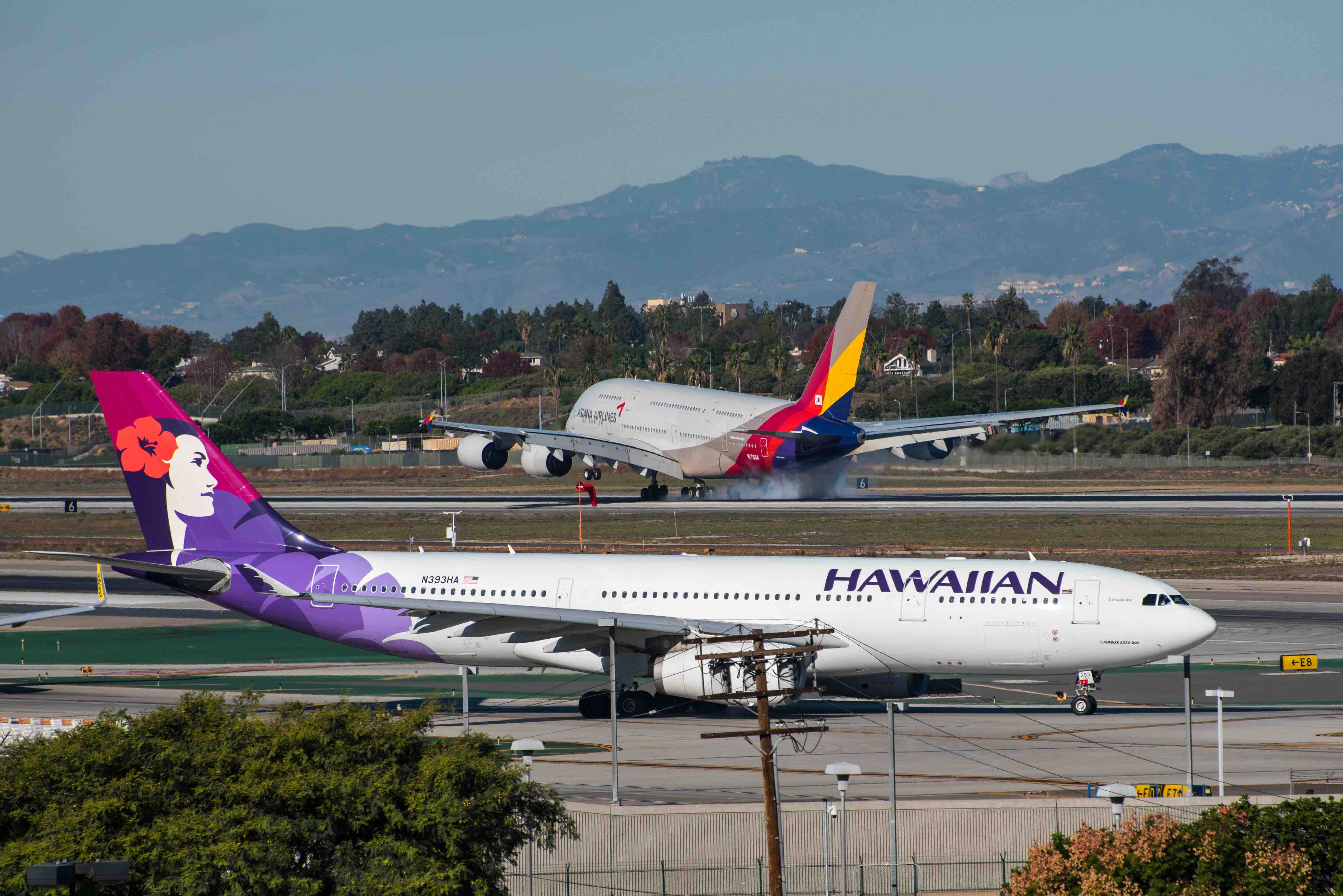 A Hawaiian Airlines Flight Returns To LAX Three Times Over ...