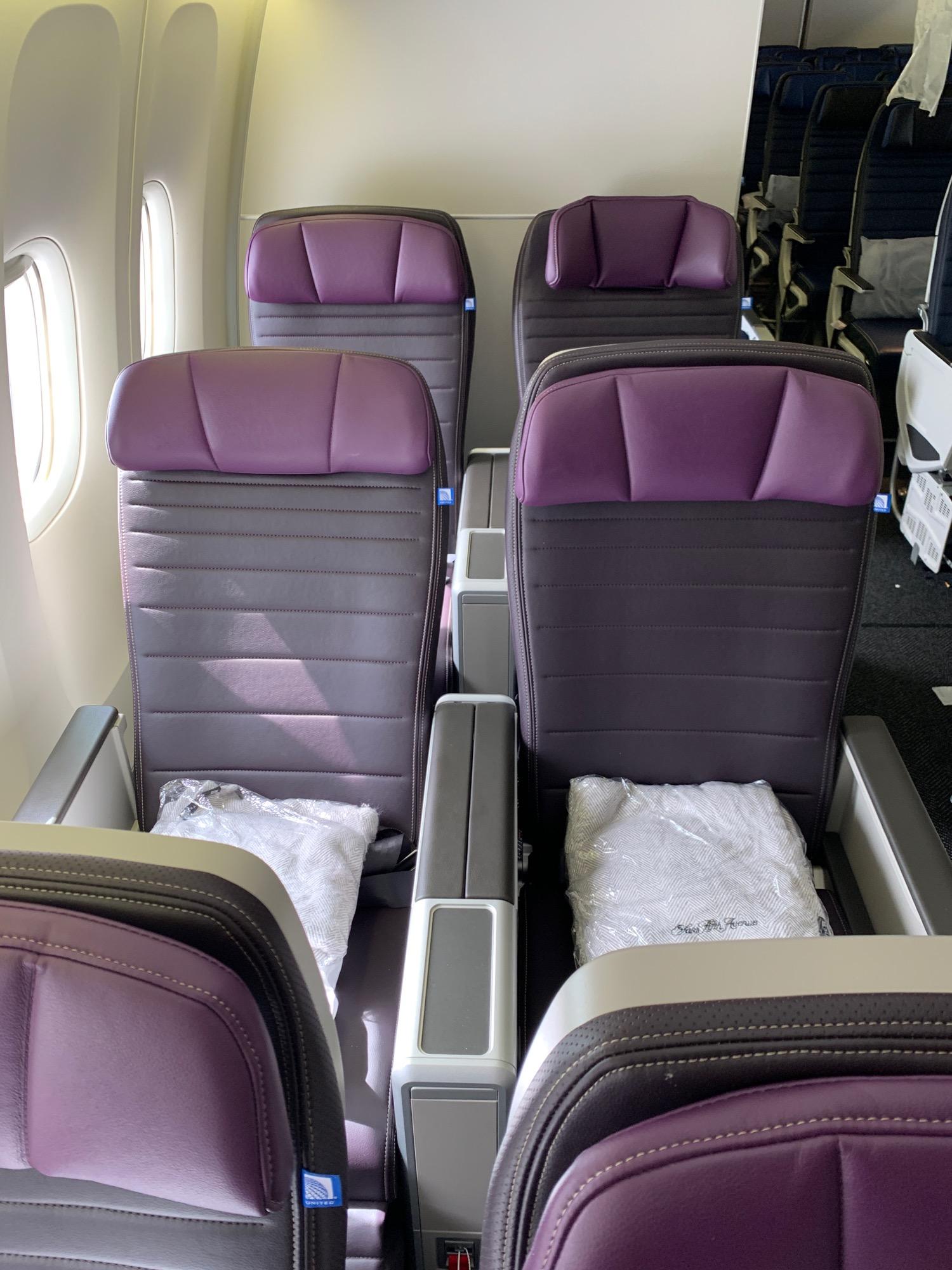 Review United Airlines 777 200 Premium Plus San Francisco