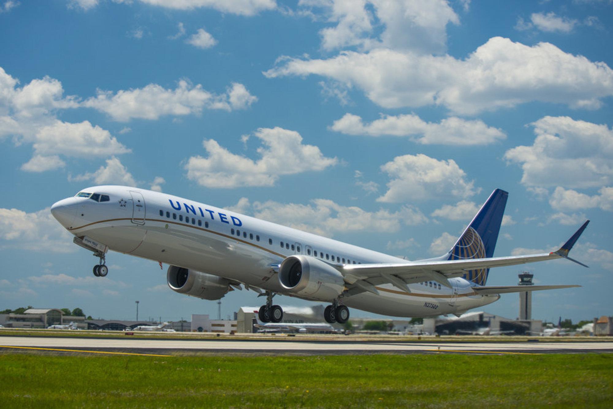 United 737 MAX Suspension
