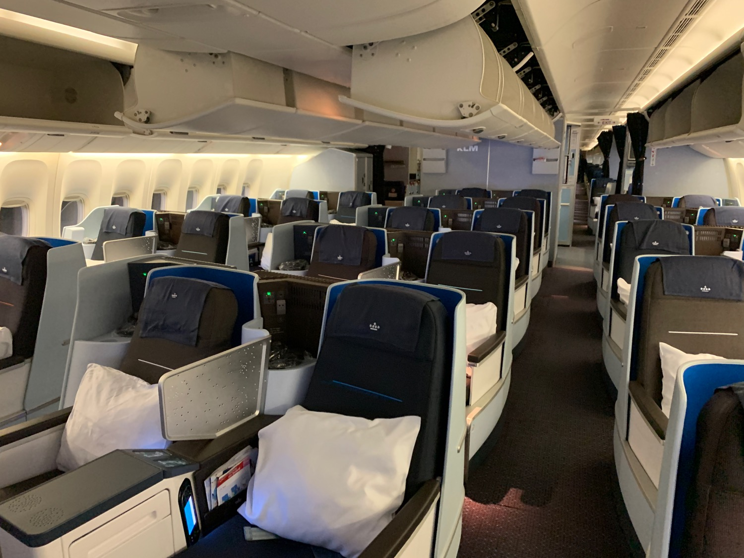 Sensational First Impressions Klm 777 Business Class Live And Lets Fly Machost Co Dining Chair Design Ideas Machostcouk