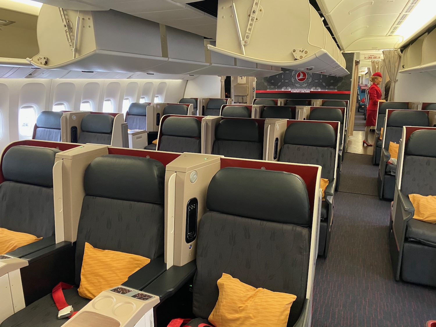 Review: Turkish Airlines 777-300 Business Class - Live and Let's Fly