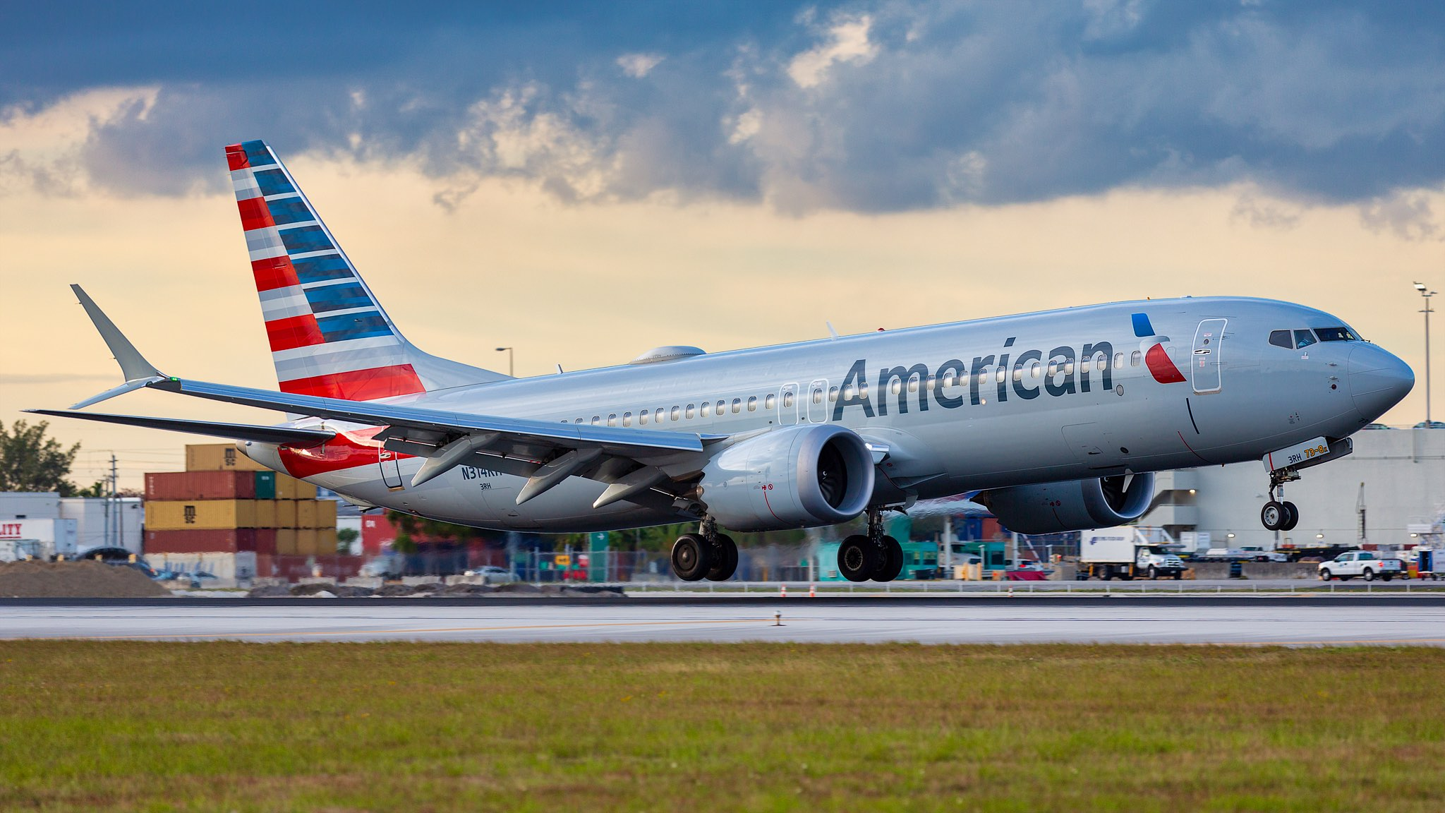 American Airlines 737 MAX Emergency