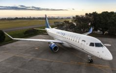 United Install Seats Embraer 175