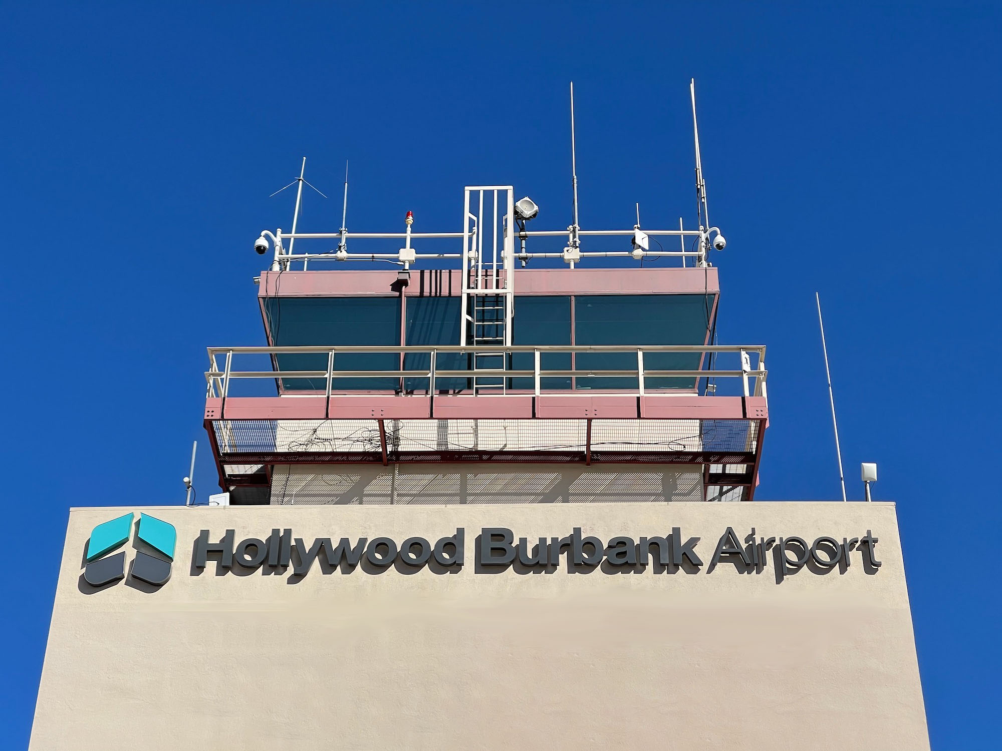 Frontier Airlines Adds Service To Burbank