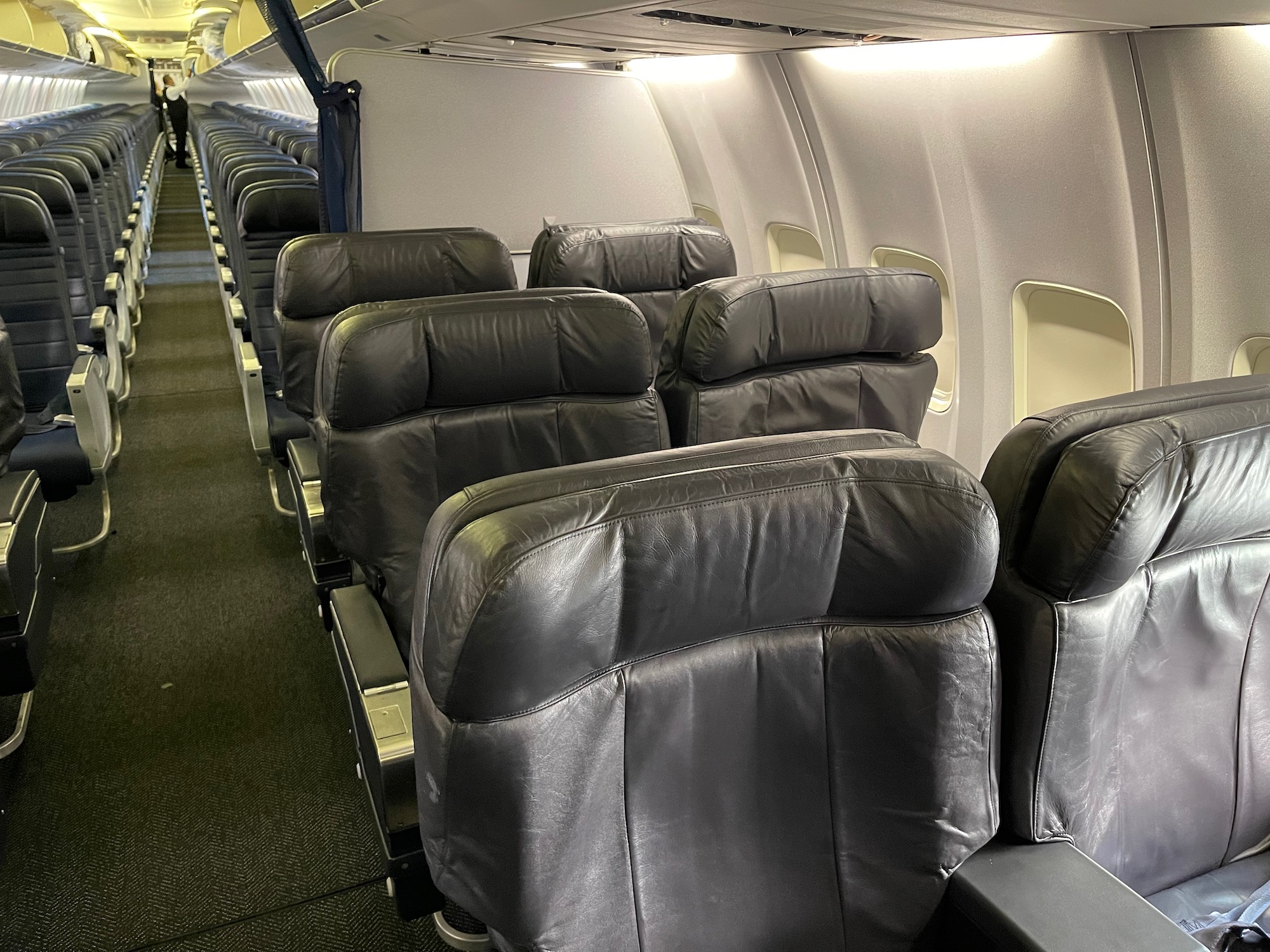 Review: United Airlines 737-800 Business Class To Guatemala City - Live and Let's Fly