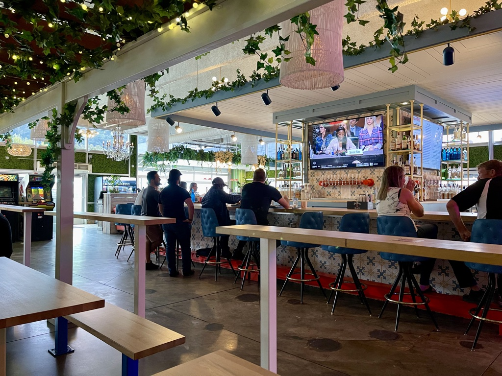 bar and seating at Coop DeVille Pittsburgh Restaurants